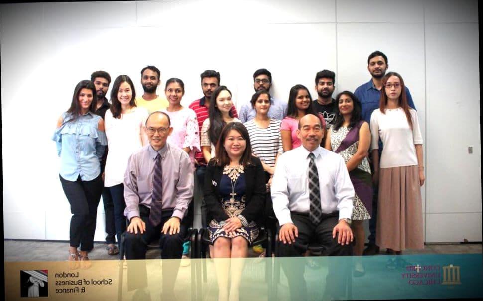 Студенты школы LSBF в Сингапуре