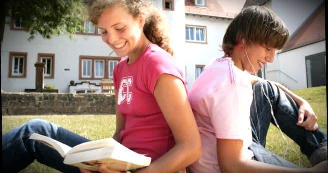 Легкий способ быстро подтянуть язык - записаться на курсы немецкого