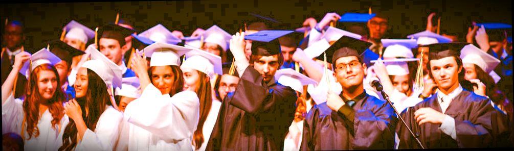 Португальские выпускники празднуют окончание университета