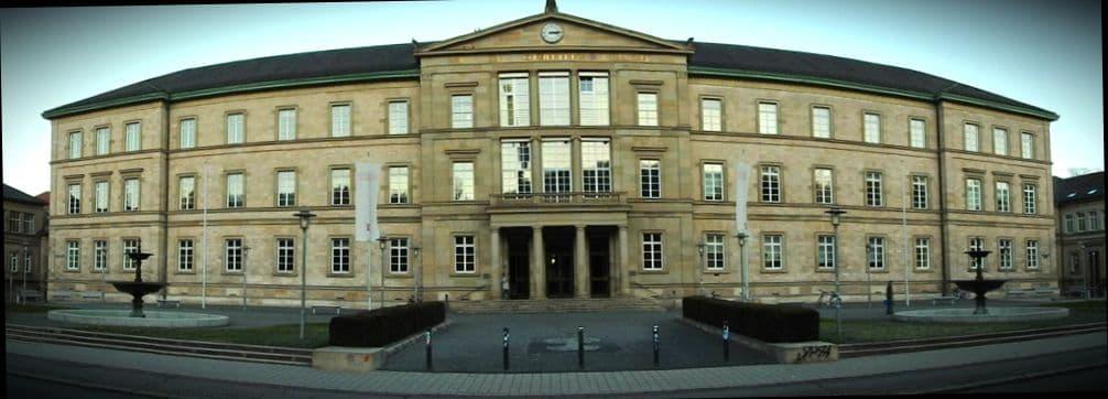 Каждый немецкий университет раз в полгода взимает семестровые взносы на оплату студенческих проездных