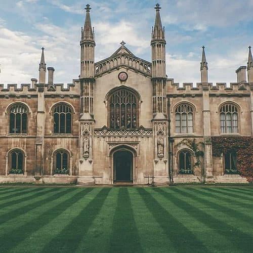 Кембриджский университет: онлайн-лекции до лета 2021 года