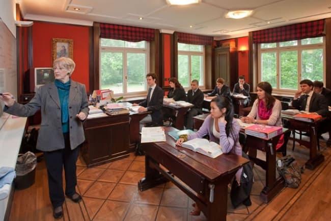 Средняя школа в Швейцарии с изучением иностранных языков
