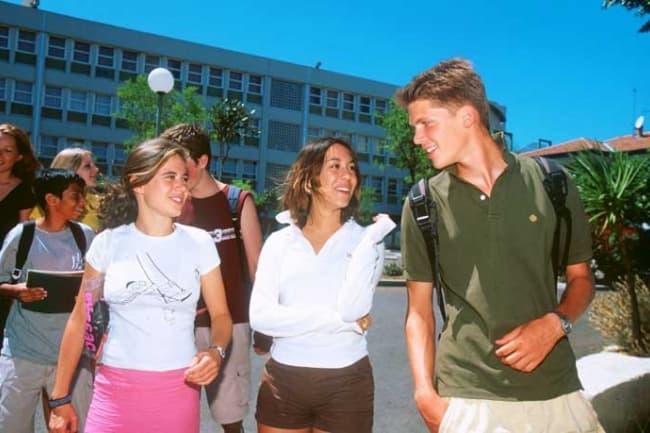 Centre International D'Antibes школа французского