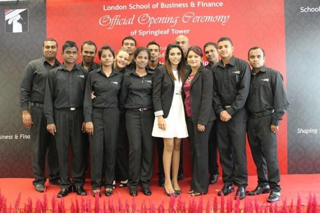 Студенты LSBF в Сингапуре