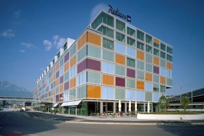 Высшее образование в Business & Hotel Management School (BHMS)