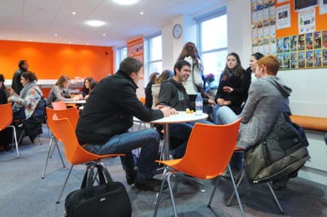 EC Brighton групповые и индивидуальные занятия английским языком