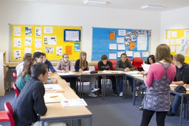 Курсы английского для школьников в BELL International