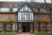 Среднее образование в Великобритании для девочек 11-18 лет в школе Queenswood фото