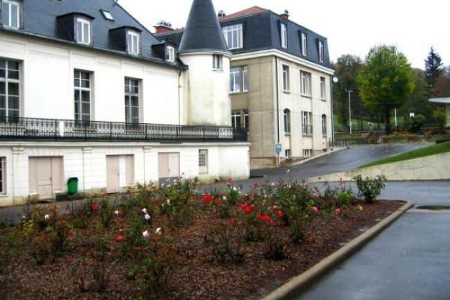 LINES Languages Ltd школа французского языка