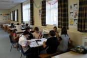 Осенние, зимние, весенние и летние каникулы в Великобритании в школе OISE Ньюбери с изучением английского языка  для детей 13-17 лет фото