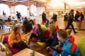 Летние каникулы в Швейцарии с изучением английского или французского языка в образовательном центре Village Camps для школьников от 7 до 18 лет фото