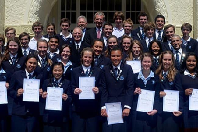 Выпускники школы Mount Roskill Grammar School в Новой Зеландии