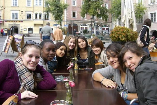The American International School в Австрии изучение немецкого языка