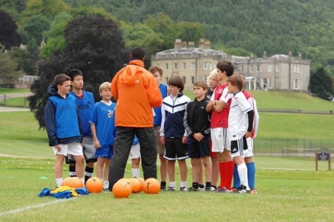 Футбол и изучение английского языка в школе в Великобритании