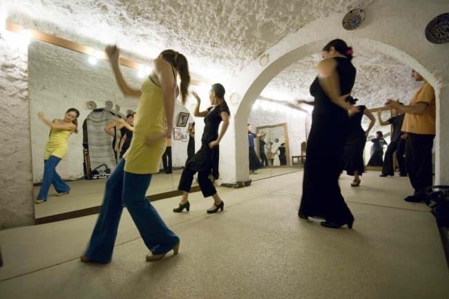 Уроки фламенко и испанского Carmen De Las Cuevas