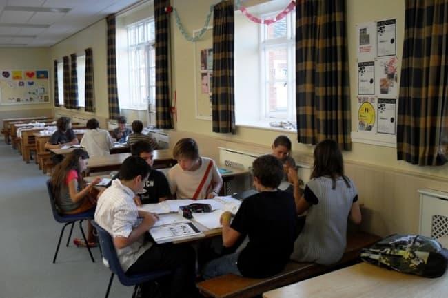 Столовая OISE школа
