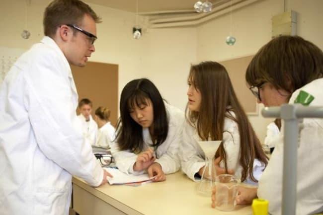 College International Brillanmont среднее образование Швейцария