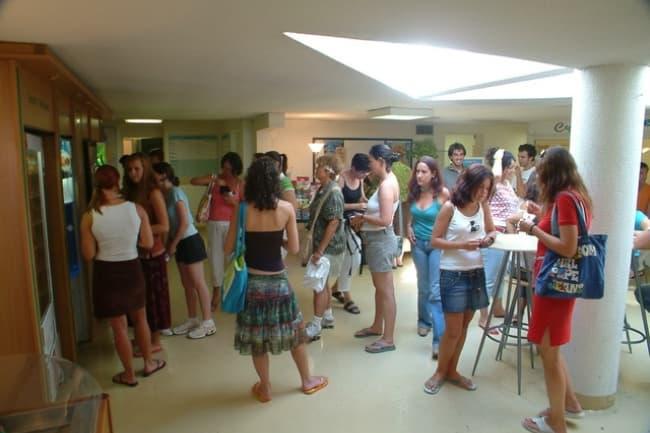 Французский язык курсы Centre International D'Antibes во Франции