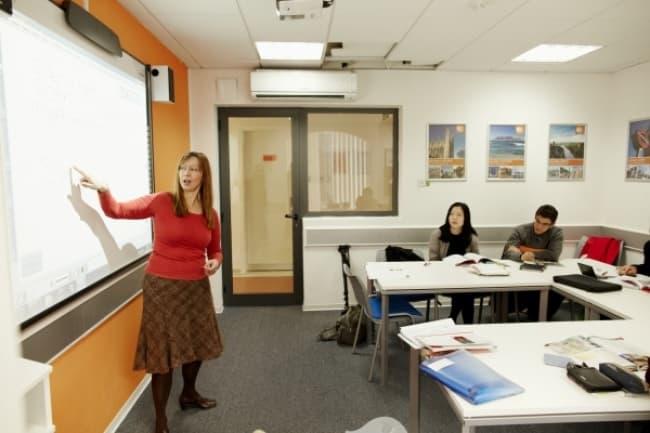 ЕС Malta обучение в группах английскому языку