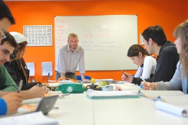 Занятия в школе EC Brighton