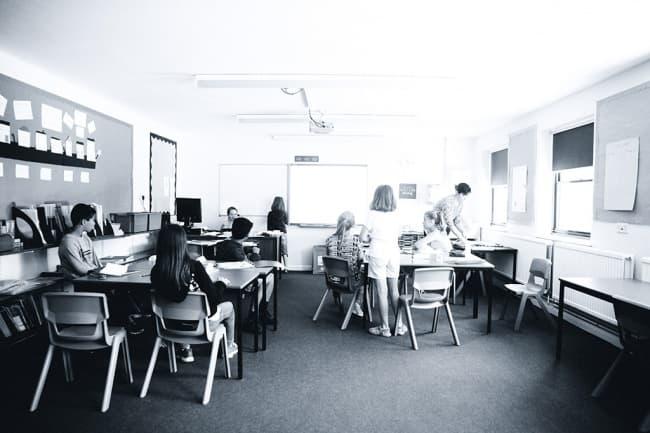 Столовая Школа OISE Шерборн