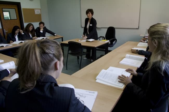 Les Roches School школа швейцарская