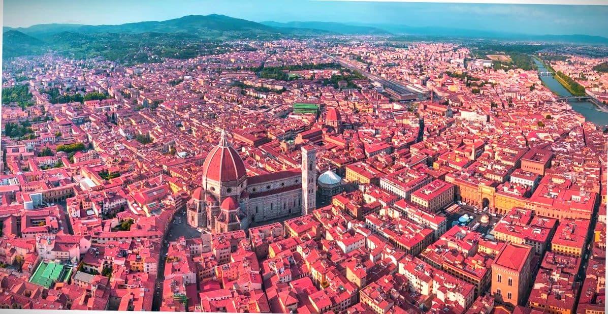 Вид на город с высоты.